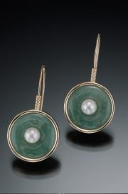 14k Gold Jade and Pearl Drop Earrings